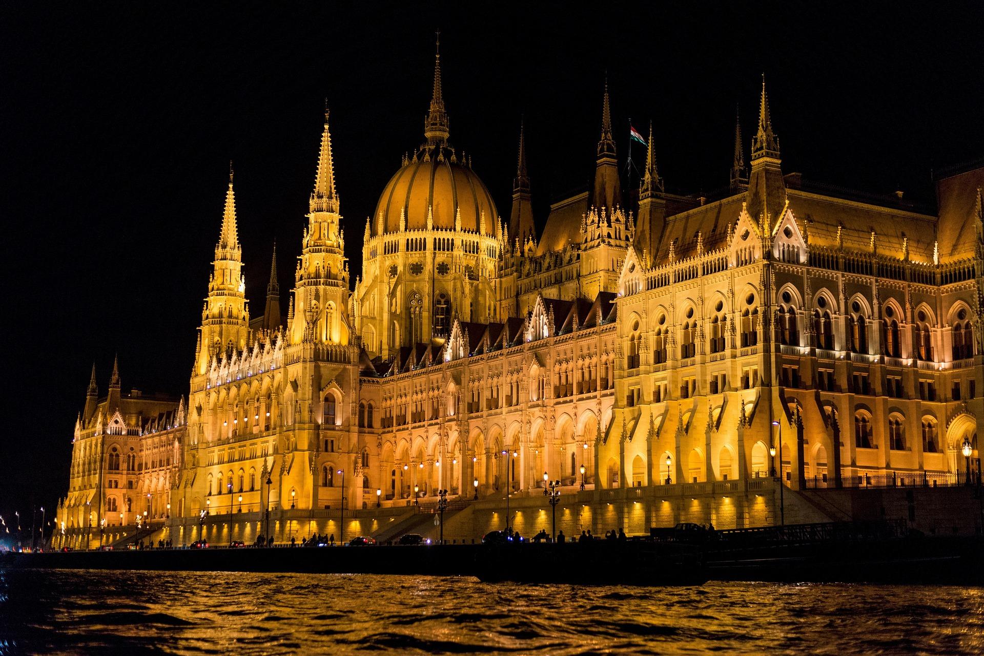 Wycieczka do Budapesztu Agencja Turystyczna Zwyrtołka